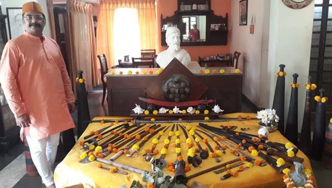 आंग्रे घराण्याची शाही शस्त्रपूजा